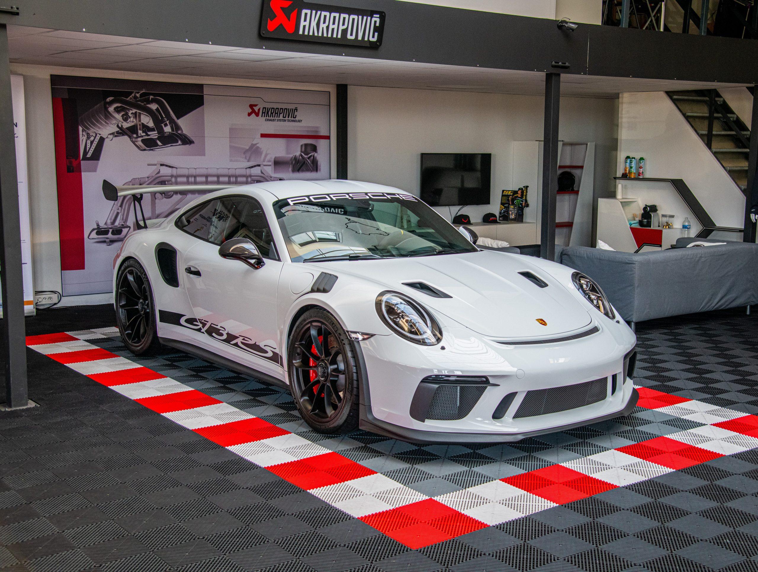 Porsche 991.2 GT3 RS 520 ch Blanche Le mans auto racing