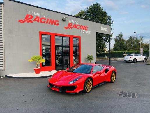 Ferrari 488 Pista Rouge et Or Le Mans Auto Racing